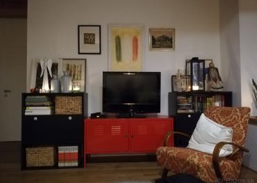 Stolík pod TV/komoda