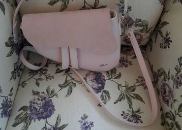 Kožená kabelka pudrovo ružová