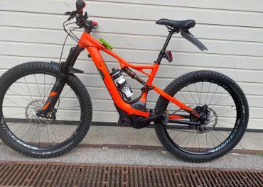 Elektrobicykel Specialized Turbo Levo FSR Expert 6Fattie