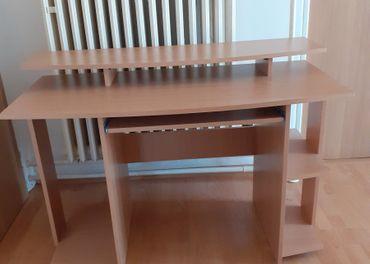 Predam počitačovy stoľik š-118cm v-82cm h-60cm