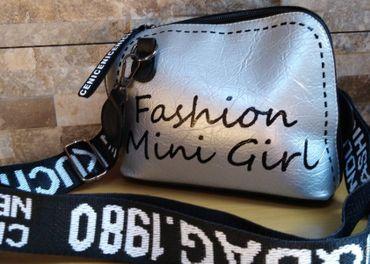 Nové kabelky-už len čierna a strieborná