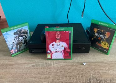 Xbox One 1TB +3 hry
