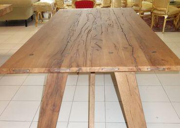 """Stôl masívny """"DUB""""."""