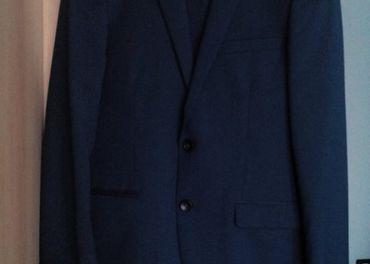 Oblek modrý