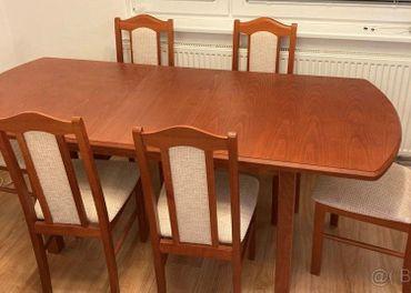 Rozkladací drevený jedálenský stôl + 6 ks stoličiek