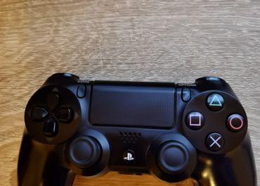 Playstation 4 ovládač