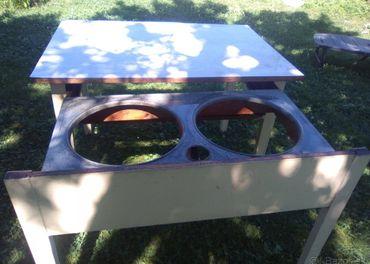 Celodrevený stôl