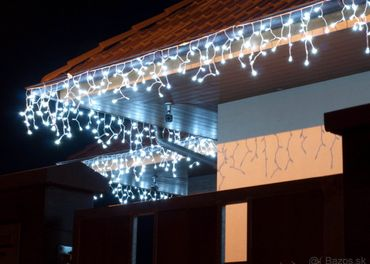 LED svetelné cencúle - ĽADOVO BIELO/ MODRÉ 500 LED - 20 metr