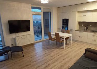 Ahoj Park, 3 izb. novy slnečný byt, garaz, pivnica, vyhľad