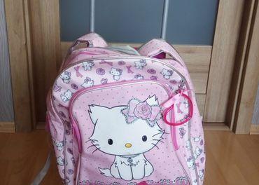 Ruksak Hello Kitty za  9€ / Supercena
